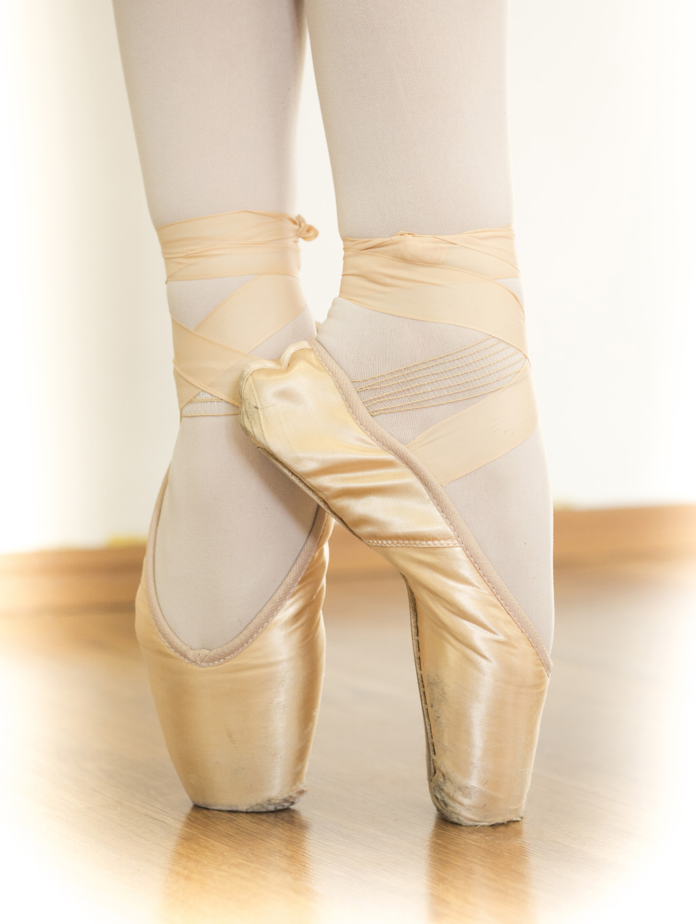 Ballerina doing pointe work